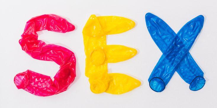 sex-condoms-colorful